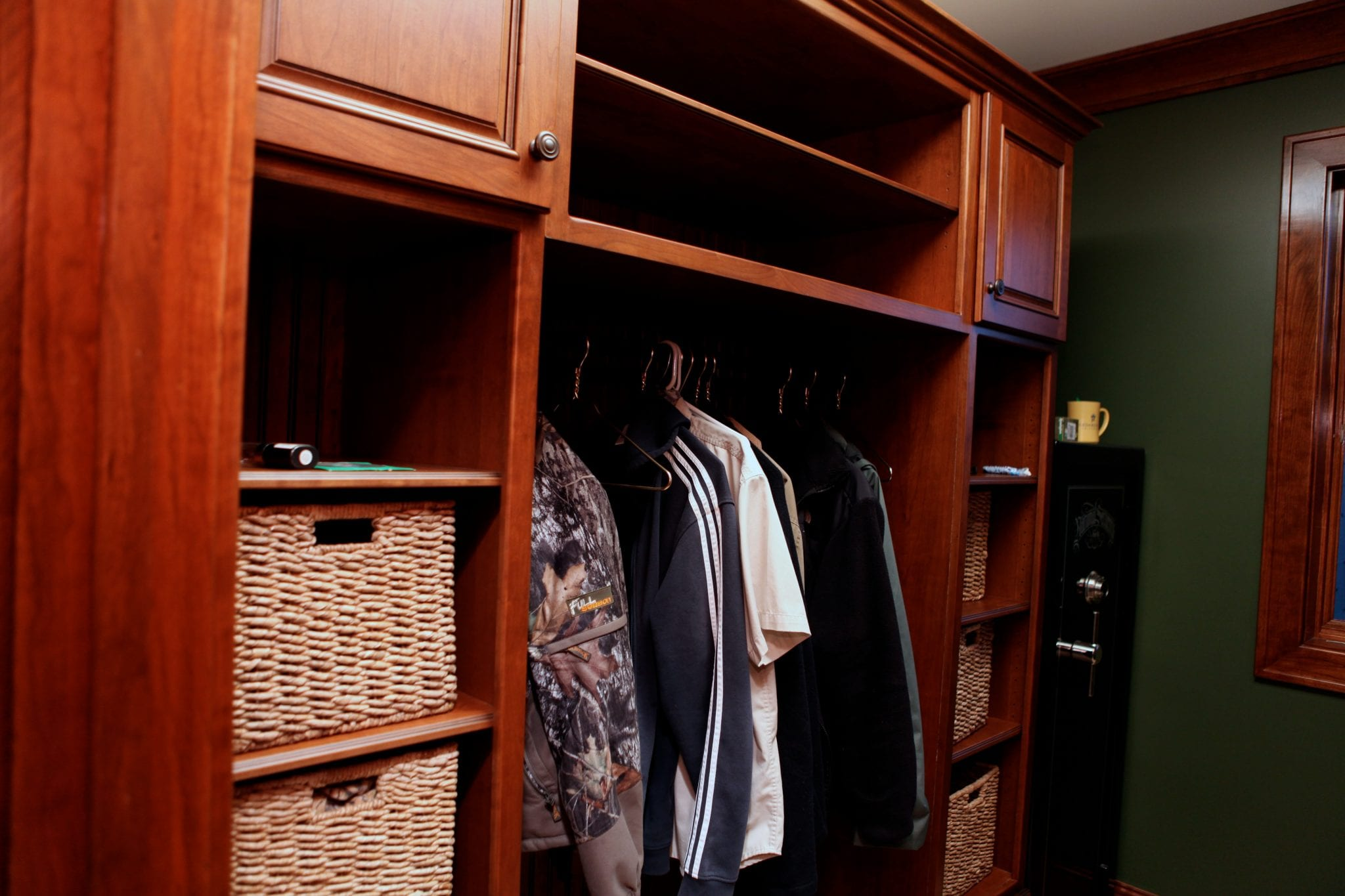 McDanielu0027s Offers A Great Way To Organize Your Closets And Eliminate Clutter