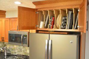 Tray storage cabinet
