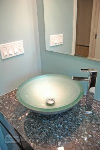 Bath design with single faucet