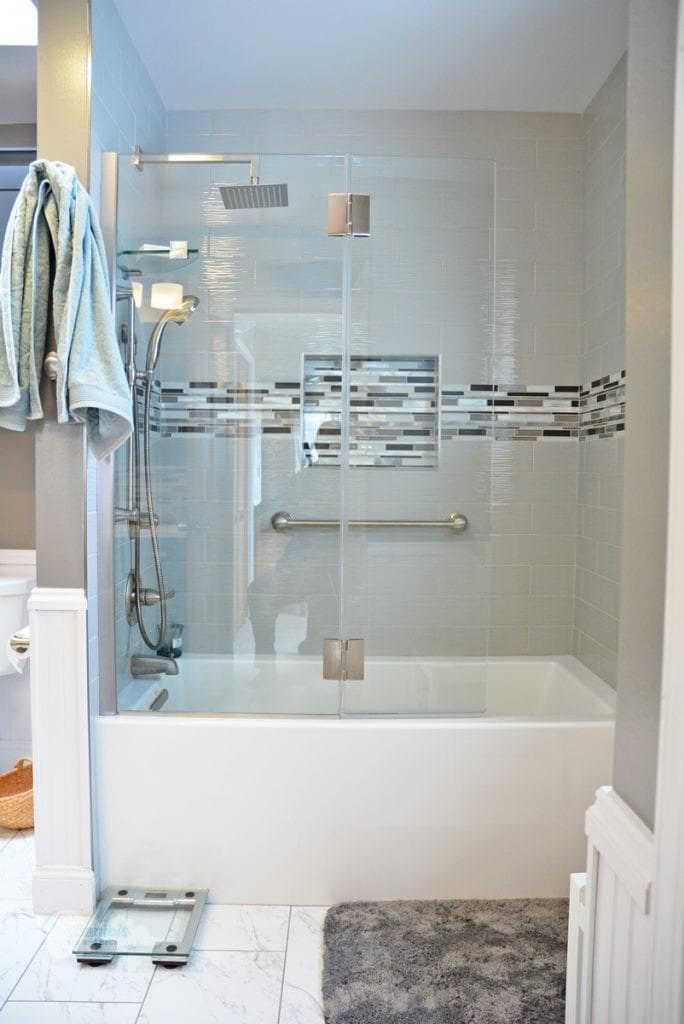 bath design with bathtub shower combination