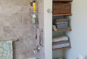 Bath design with open shelves