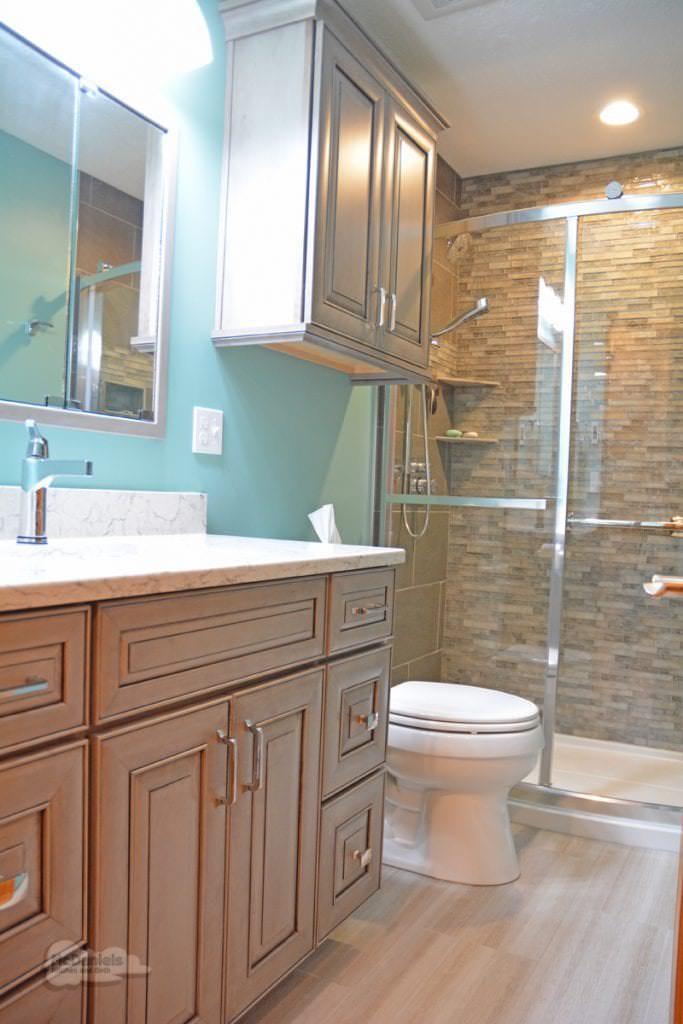 bath design with raised panel vanity