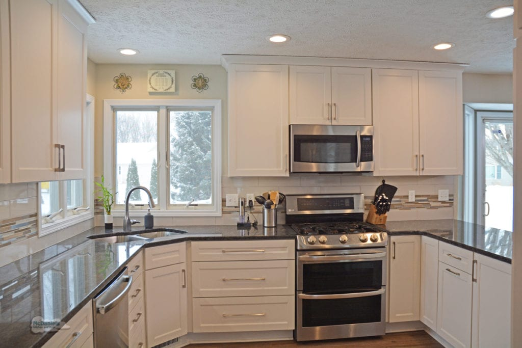 white shaker kitchen design