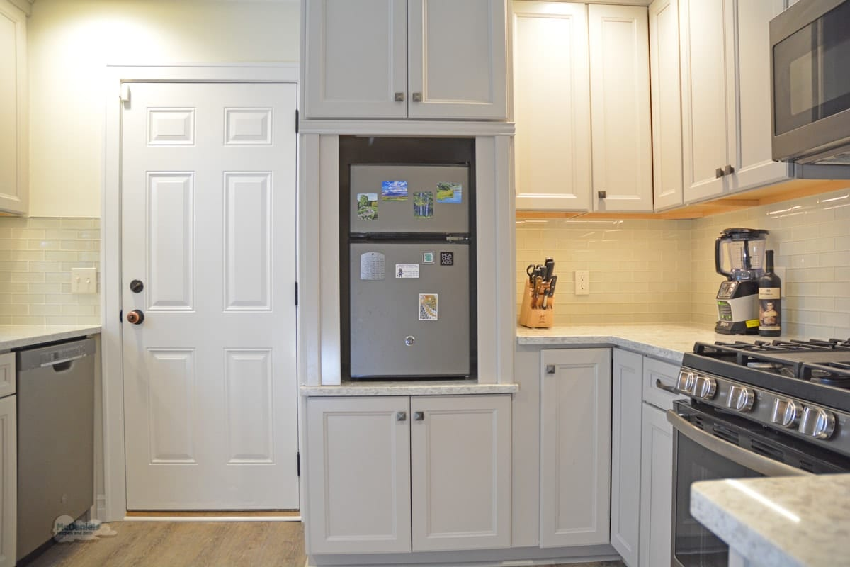 kitchen design with mini fridge