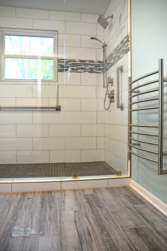 bath design with large shower