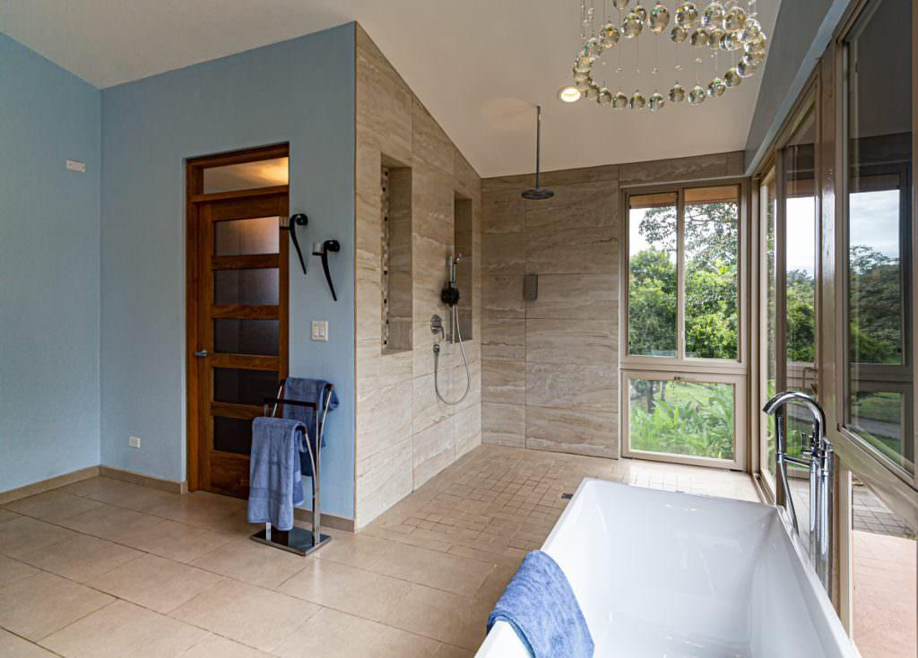 bath design with open shower