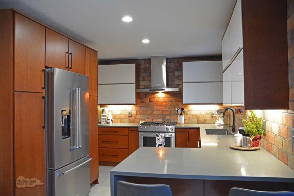 kitchen design with peninsula