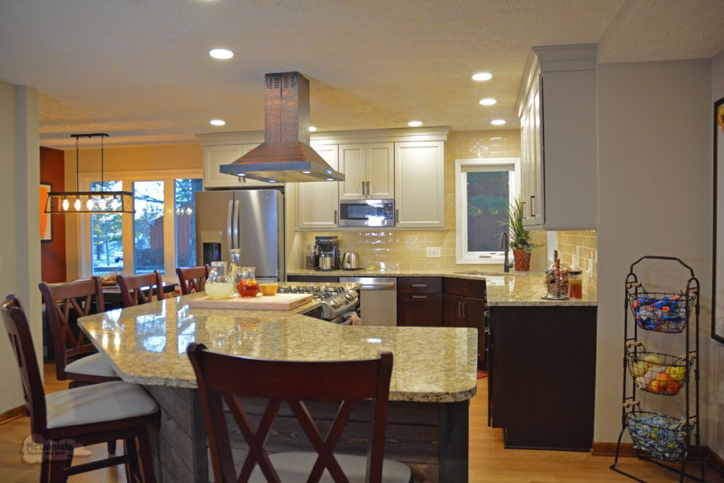 kitchen design with curved island